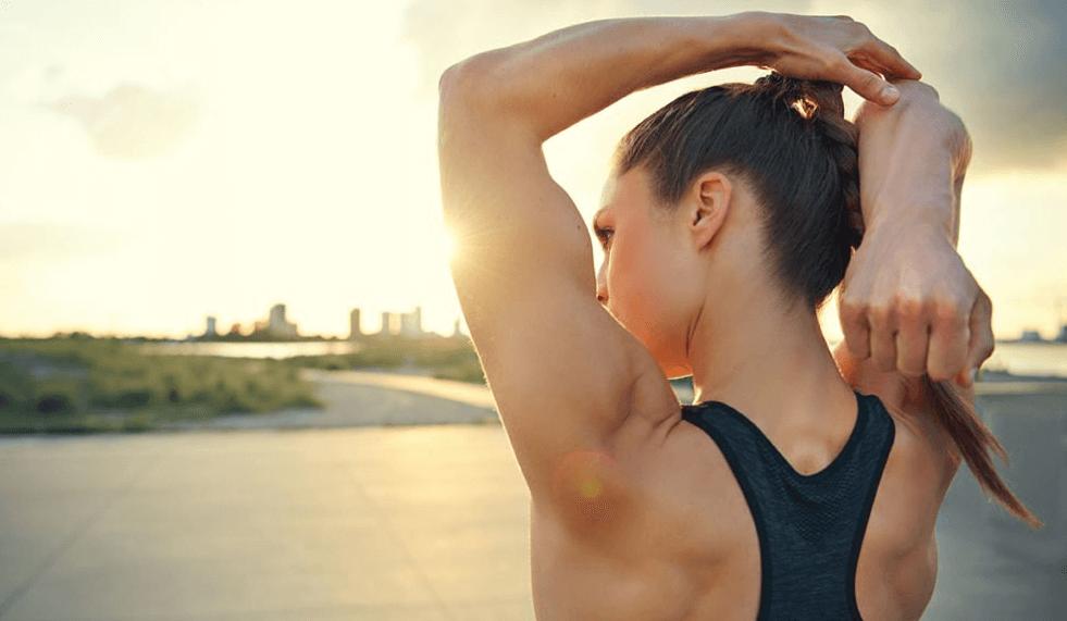 Exercices pour les bras qui pendent photo